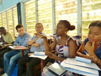 28. Les moyens de maintenir un réseau de responsables Jeunesse vivant, les questions des rencontres régionales, les thématiques à aborder, génèrent des échanges intenses.