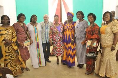 Quelques-unes des participantes en compagnie du chargé de communication de la Cevaa