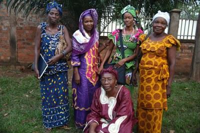 11) Membres du réseau des femmes croyantes et médiatrices de paix, 3 avril