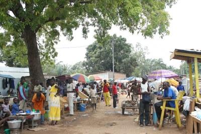 14) Campement de déplacés à l'Eglise évangélique des frères, 4 avril