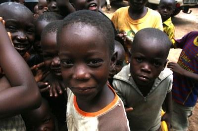15) Enfants de déplacés à l'Eglise évangélique des frères, 4 avril