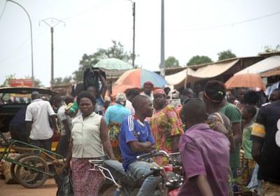 25) Scène de rue à Bangui, 7 avril