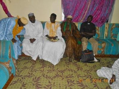 09. Photo de groupe lors de cette dernière visite, avec le pasteur Pierre Adama faye à droite...
