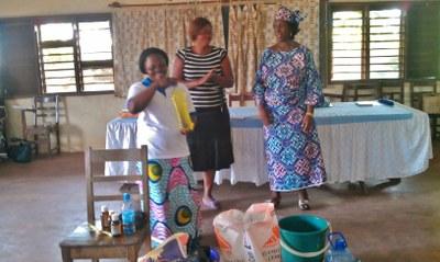 11) La journée se termine avec la présentation de trois activités génératrices de revenus...