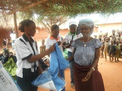 07) ... protéger l'environnement ; promouvoir la micro finance ; lutter contre les Infections Sexuellement Transmissibles et le SIDA, le paludisme et la tuberculose...