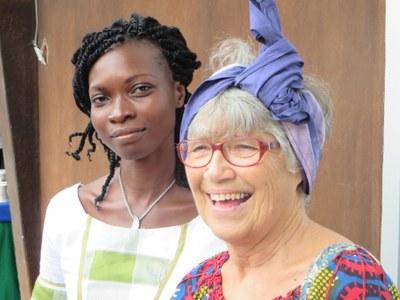 Annelise Maire se coiffe à l'africaine  (2)
