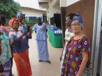 Annelise Maire se coiffe à l'africaine  (4)