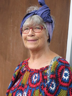 Annelise Maire se coiffe à l'africaine (3)