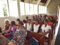 11 Les participantes avant le début du culte