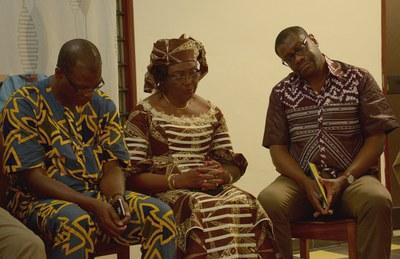 Le Secrétaire Général Célestin Kiki, la présidente Henriette Mbatchou et le Secrétaire éxécutif Samuel D. Johnson