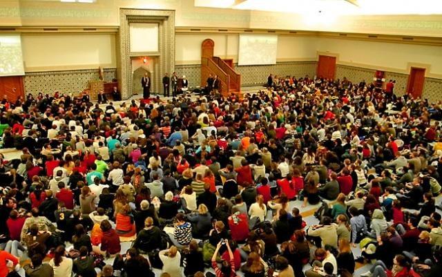 36e rencontre de taize Depuis plus de 70 ans la communauté œcuménique de taizé existe des milliers de jeunes s'y rendent tout au long de l'année autour du nouvel an, la communauté organise une grande rencontre dans une capitale européenne, en 2013 ce sera strasbourg.