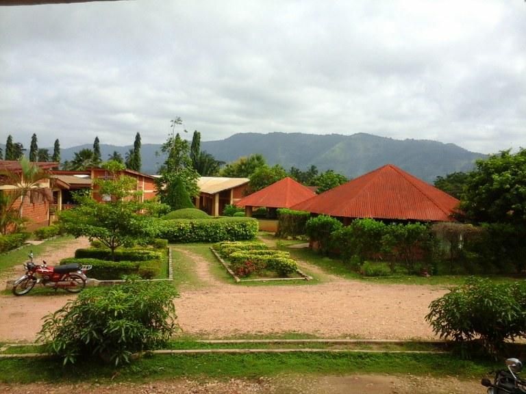 Vue du centre Bafok qui abritera le séminaire régional Jeunesse d'octobre