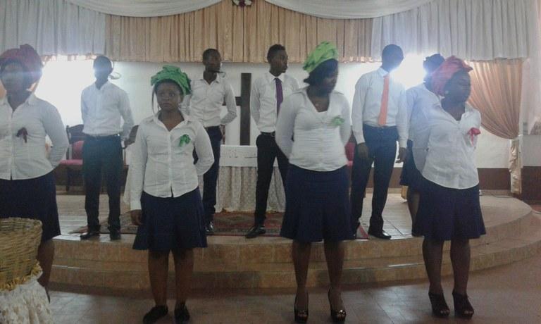 Une des chorales lors de la célébration