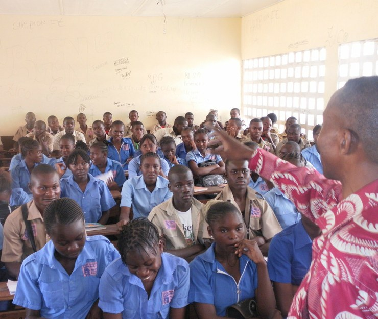 """Vue de l'assistance lors de la """"causerie"""" éducative au lycée, Thomas Sankara"""