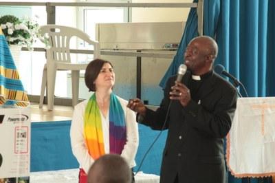 Mme Alessandra TROTTA et le pasteur George ENNIN