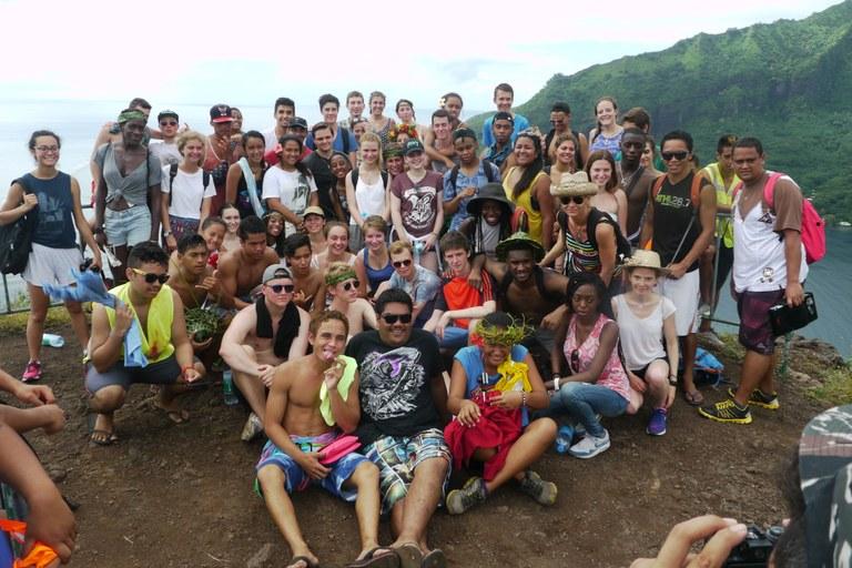 Photo de groupe : Camp de jeunes à Tahiti, juillet et août 2015