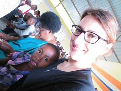 Mme Susanna PIETRA   lors du culte à Kibuye